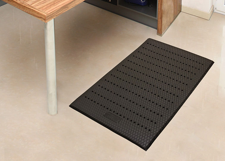 Cushion Max Flow-Through Anti-Fatigue Mat