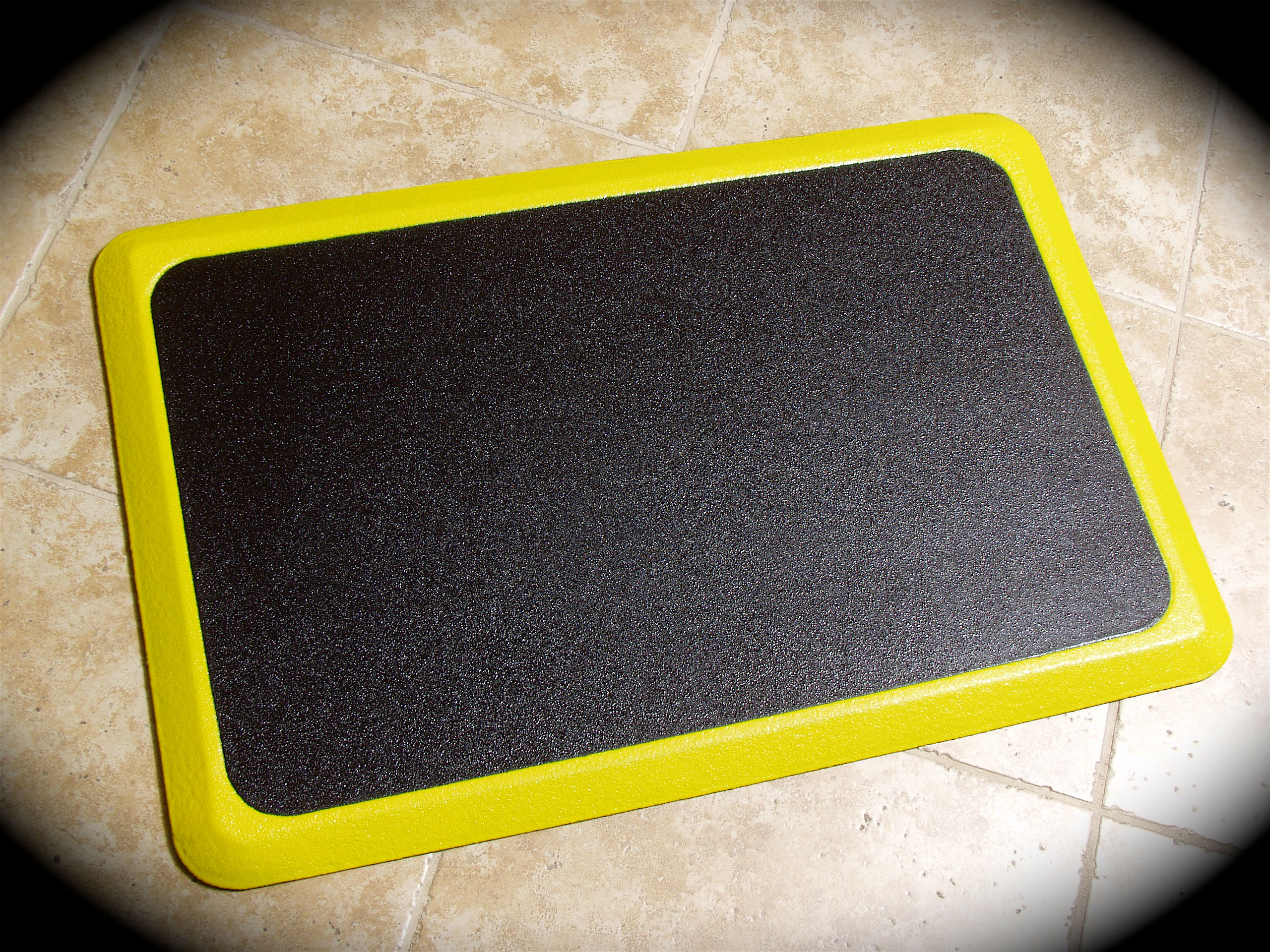 "Ortho Tuff Skin Signature Anti-Fatigue Mat - Yellow Border - 24"" x 36"""