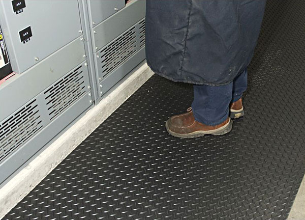 Diamond Switchboard Non Conductive Runner Floor Mat