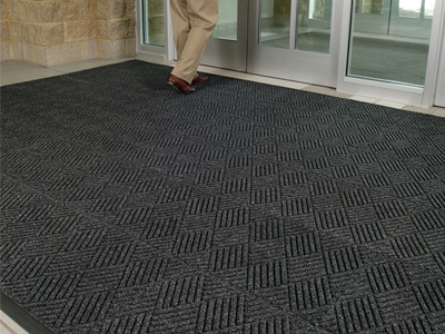 Cleaning commercial matts