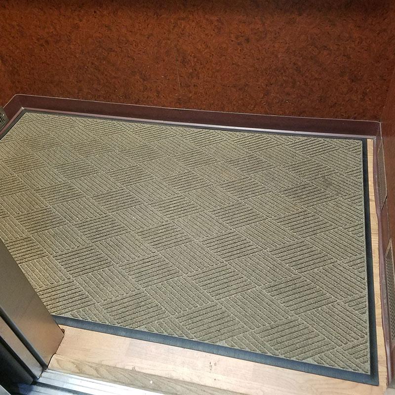 scraper  wiper elevator mat - waterhog eco - floormatshop com
