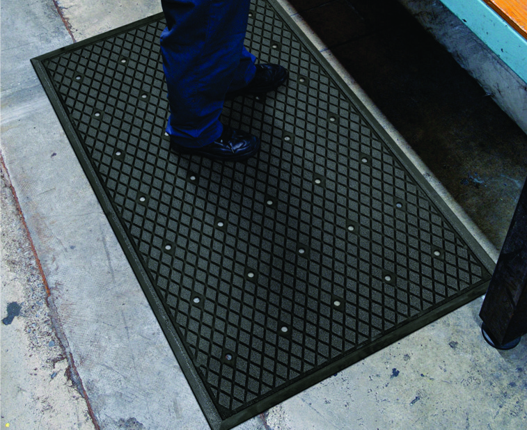 Traction Hog II Drainage Slip-Resistant Mat